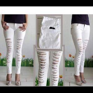 Zara Trafaluc Destroyed White Denim Jeans